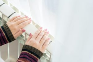 mains radiateur