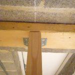 Construction d'un plancher en bois : poutre