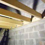 Construction d'un plancher en bois : poutre transversale