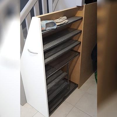 meuble finalisé et en situation sous l'escalier