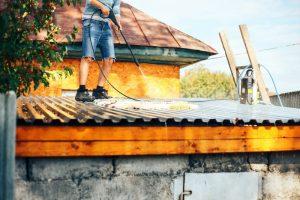 Nettoyage toiture au Karcher