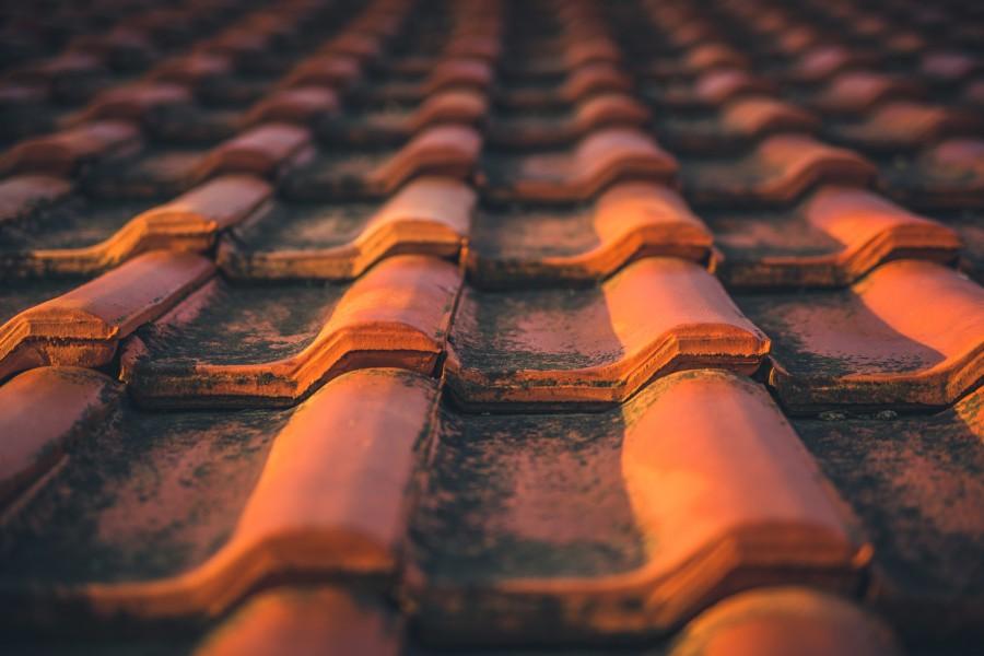 Tuile et toiture à nettoyer