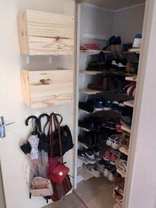 Caissons de rangement et placard à chaussures