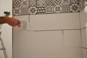 colle faience salle de bain
