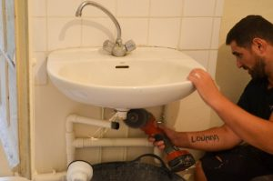demonter ancier lavabo