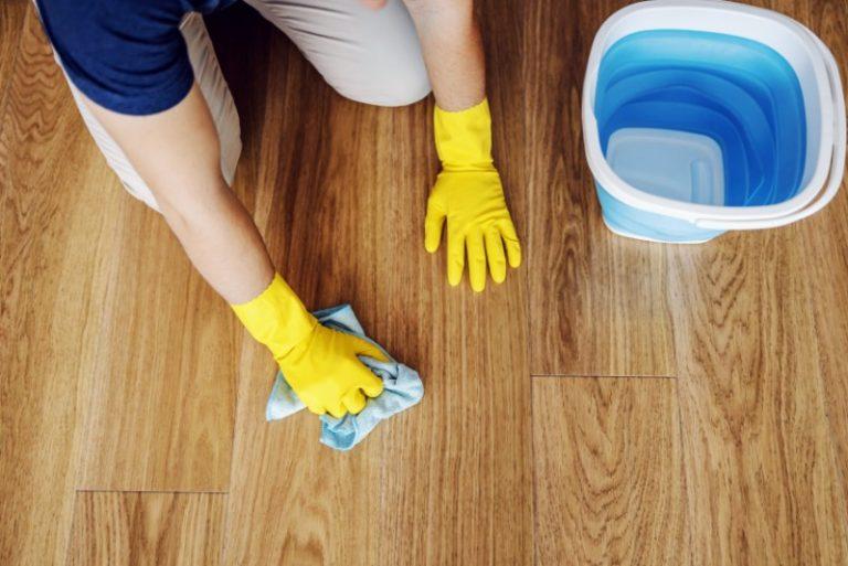 parquet tache nettoyage